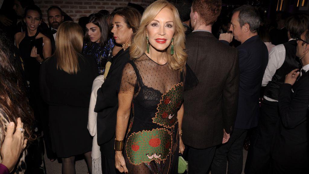 Carmen Lomana eligió un Valentino para los premios Marie Claire