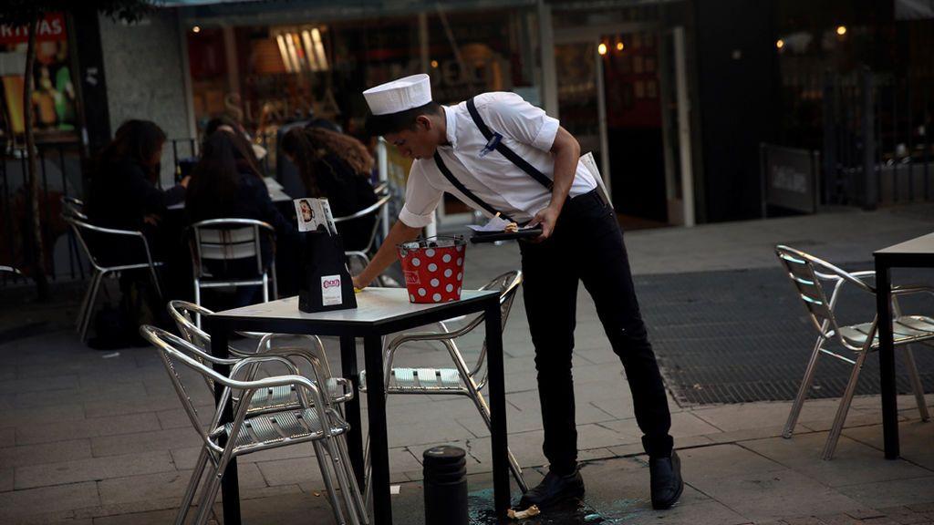 El salario mínimo debería subir a 1.146 euros para salir del umbral de sueldos bajos de la OCDE