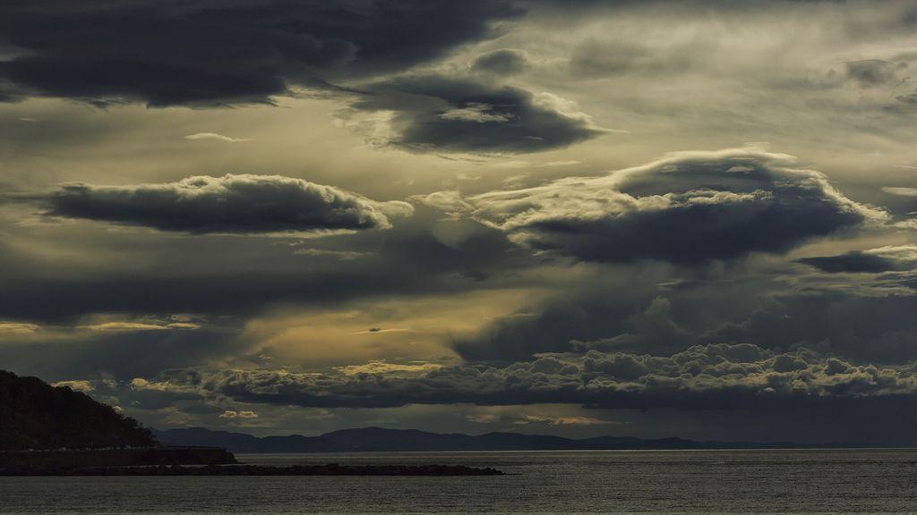 clouds-2891774_1920