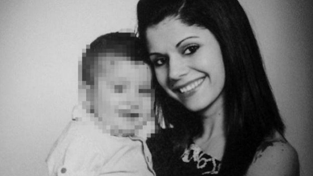 Muere la mujer tiroteada por su expareja en Elda cuando recogía a su hijo del colegio