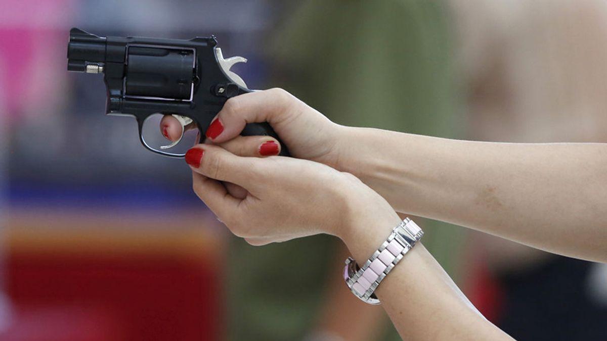 Acusada de disparar a su cliente en la cabeza por ser muy malo en el sexo oral
