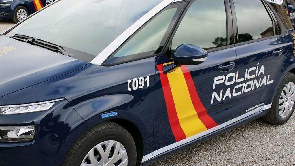Atraca un banco en Tudela de Duero con un revólver tras encerrar a 5 personas en un baño