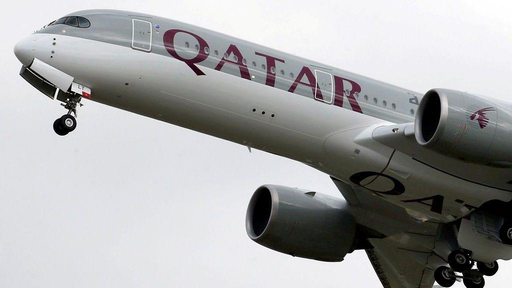 Una mujer descubre una infidelidad de su marido en pleno vuelo y provoca un aterrizaje de emergencia