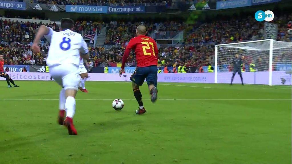 ¡Él se lo guisa y él se lo come! Recuperación de Silva y otro gol ante Costa Rica (4-0)