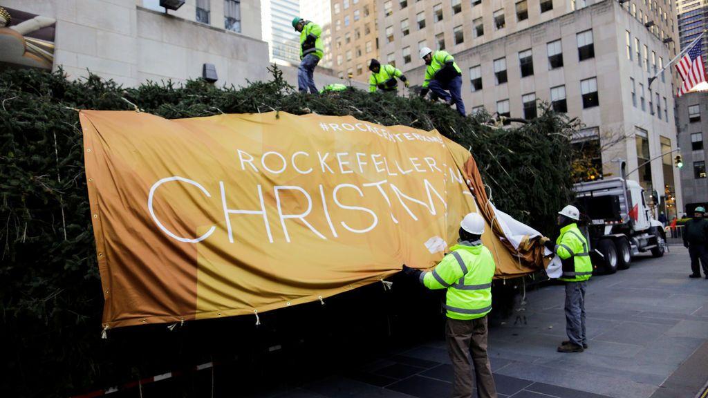 Montanto árboles de Navidad en el Rockefeller Center de Nueva York