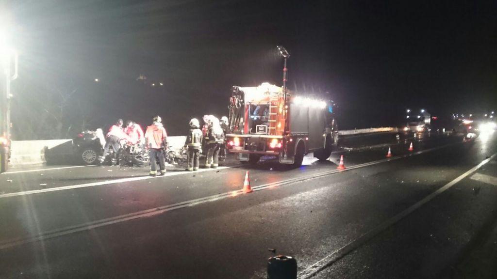 Dos muertos y dos heridos en un accidente entre un turismo y un camión en Irún
