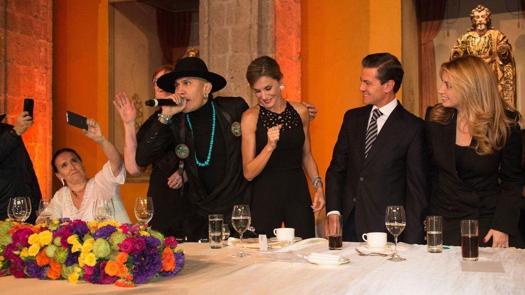 El divertido baile de Letizia al ritmo de 'Where is the love', de los Black Eyed Peas