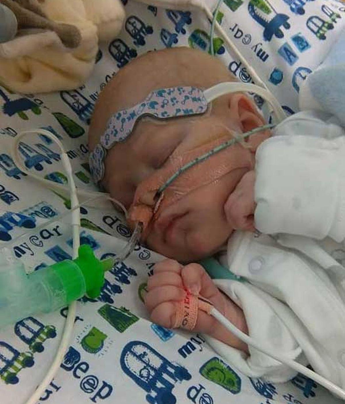 Buscan desesperados, un corazón nuevo que salve la vida a su bebé de cinco semanas