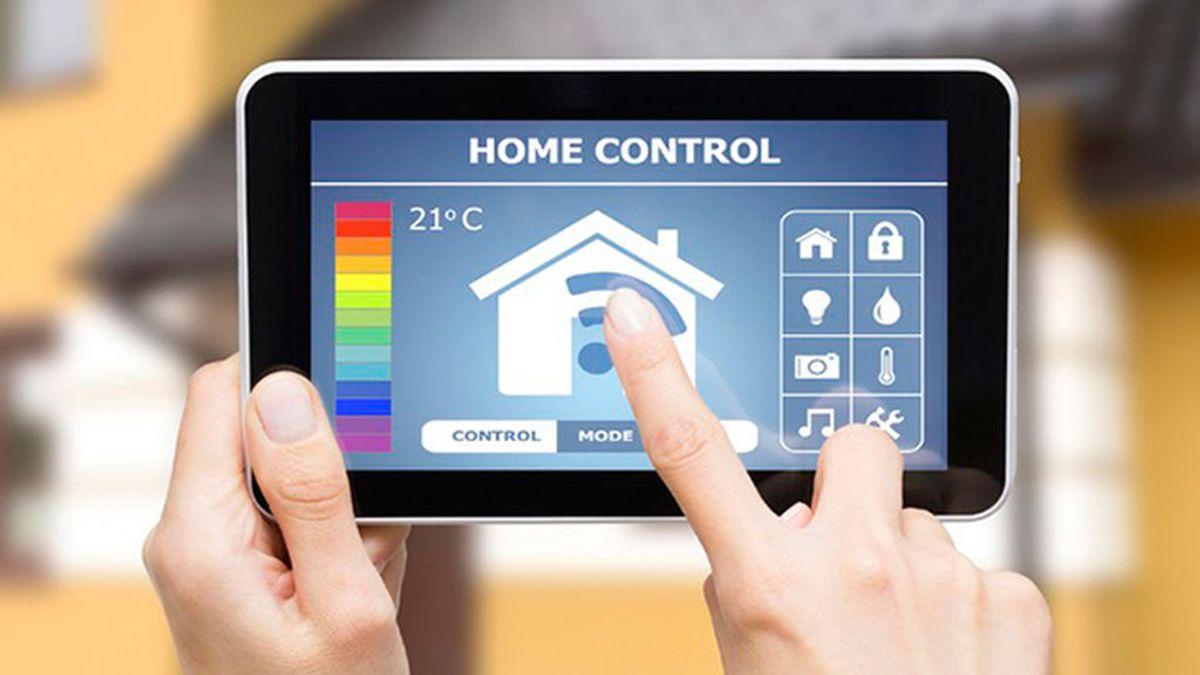 Apps contra el frío: así puedes controlar la calefacción (y la factura) mientras trabajas o viajas