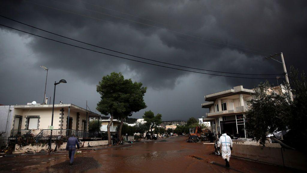 Aumentan a 10 los muertos por las fuertes lluvias al oeste de Atenas