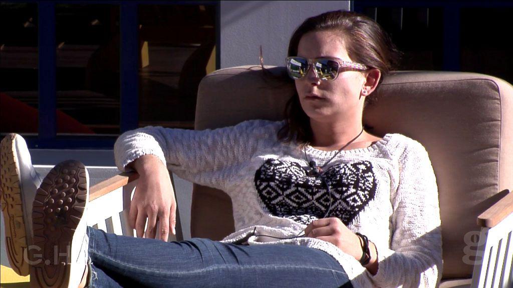 Laura abandona tras discutir con sus amigos y sin despedirse de ellos