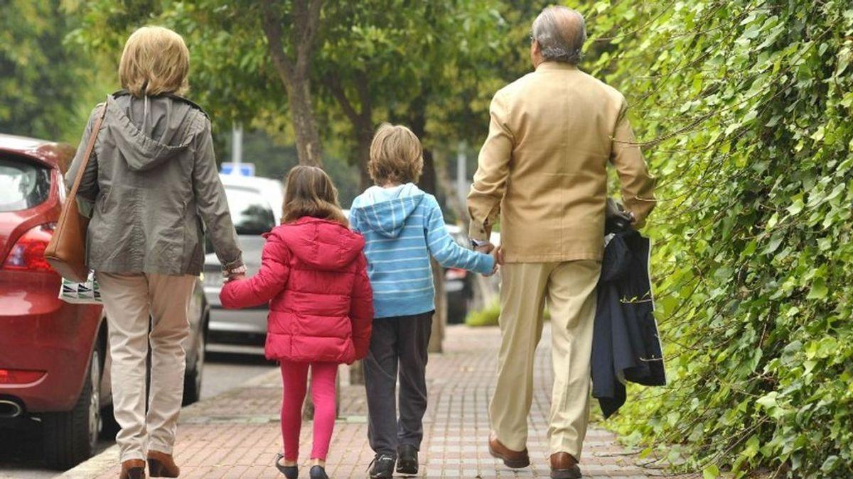 Dejar a los niños bajo el cuidado de sus abuelos perjudica a su salud  y aumenta el riesgo de que padezcan cáncer