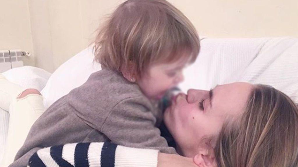 ¡Vuelta a casa! Yoli 'GH 15' recibe el alta hospitalaria y se reencuentra con su hija