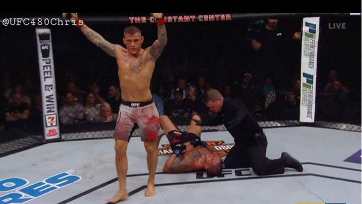 La pelea más sangrienta de la UFC: el vencedor enseña cómo lleva varios días limpiando la sangre de su ropa