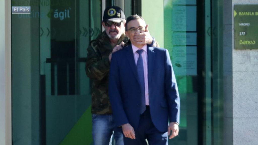 """Un testigo del asalto al banco de Usera: """"Es Antonio, mi vecino. Me cago en la leche"""""""
