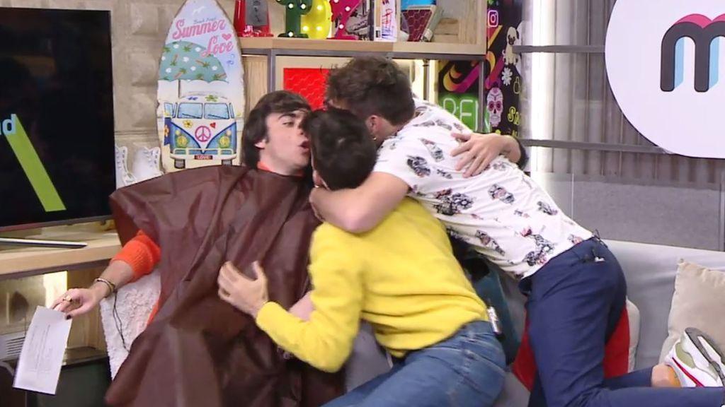 ¡Sergi Pedrero y David moreno se reencuentran después de comerse la boca!