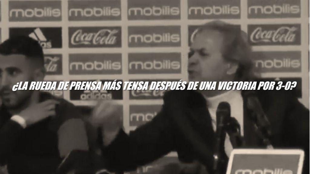 ¡Entró en cólera! El seleccionador de Argelia explota contra un periodista en plena rueda de prensa