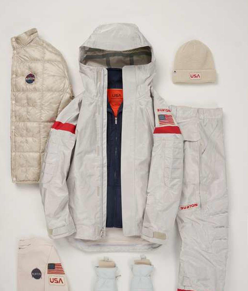 Uniformes olímpicos del equipo de snowboard.