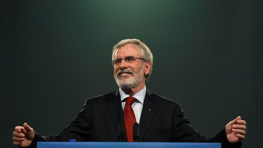 Gerry Adams deja el liderazgo del Sinn Fein tras 34 años al frente del partido