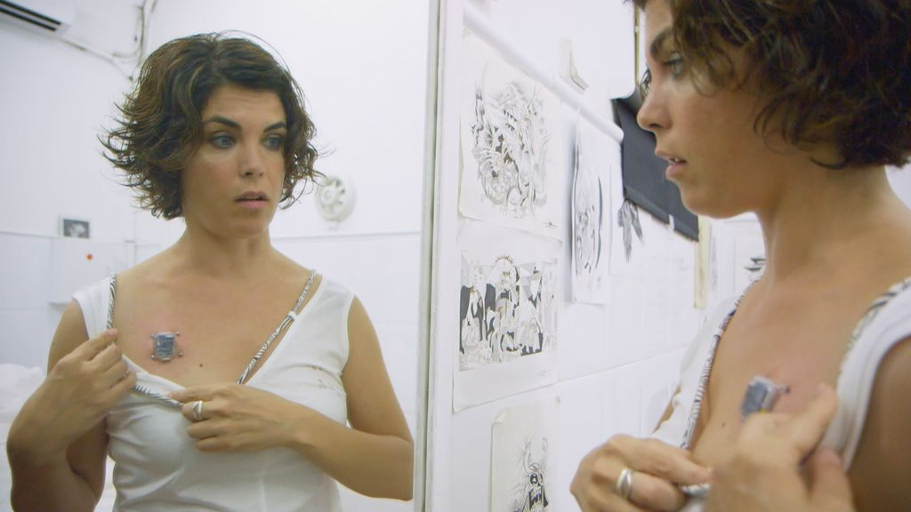 La periodista Samanta Villar se convierte en una cíborg en el reportaje dedicado al futuro de 'Samanta y...'.