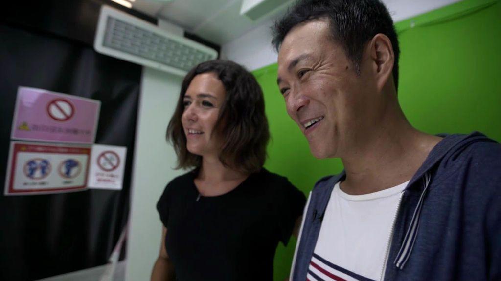 Amigos de alquiler, la nueva moda para huir de la soledad en Tokio