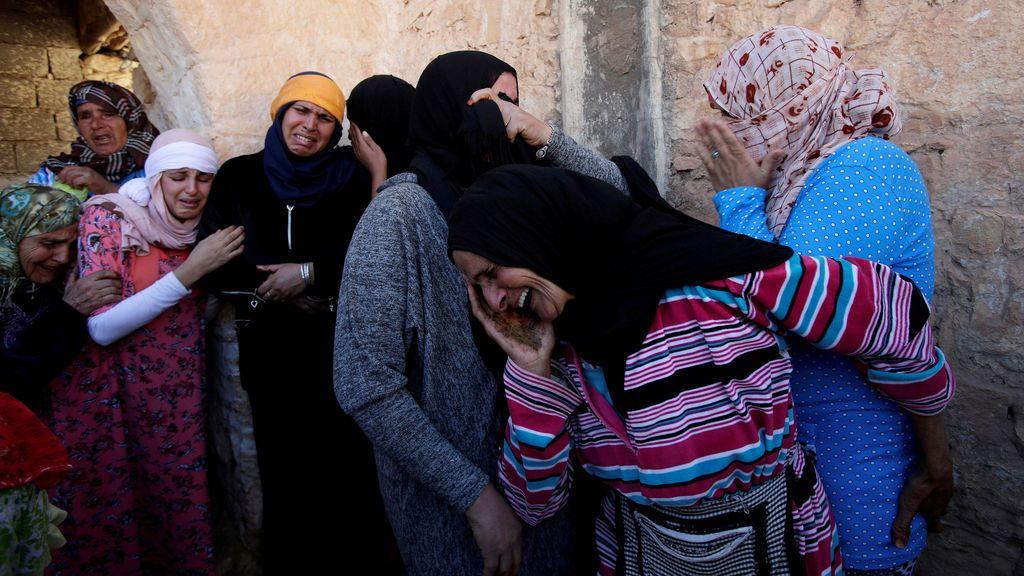 Familiares lloran la pérdida de Lakbira Essabiry, fallecido en la estampida que tuvo lugar en la ciudad marroquí de Sidi Boulaalam