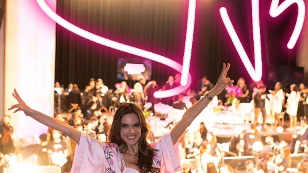 ¡Se acabó! Alessandra Ambrosio cuelga sus alas tras 18 años siendo un ángel de Victoria's Secret