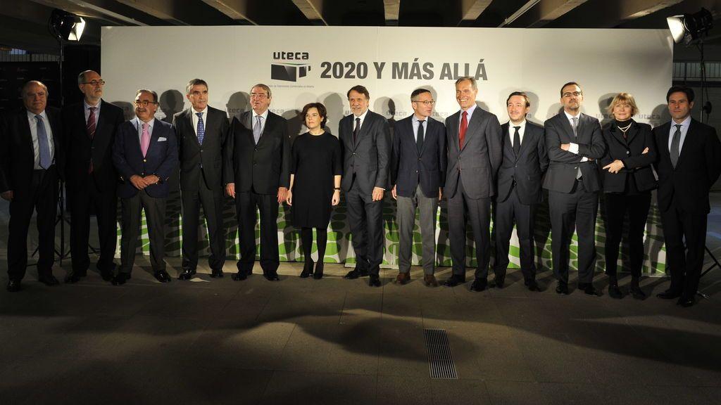 Soraya Sáenz de Santamaría (en la imagen, la sexta empezando por la izquierda) inaugura la Jornada anual de UTECA 2017.