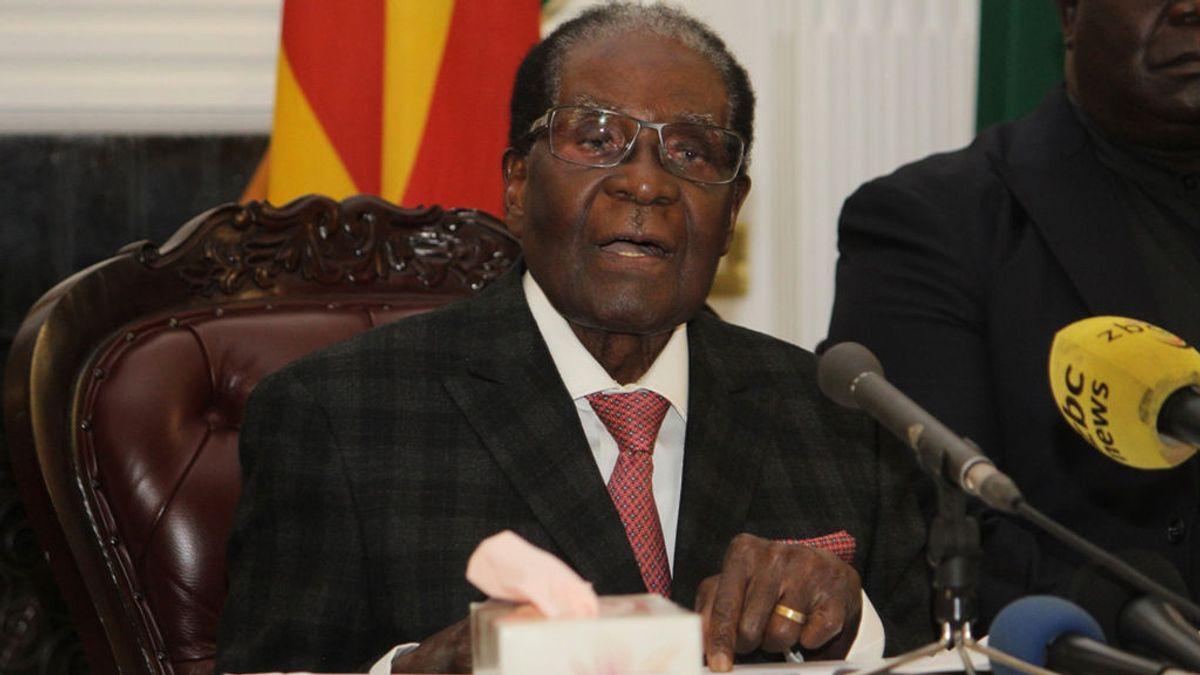 Dimite el presidente de Zimbaue, Robert Mugabe, tras ceder a las presiones del Ejército