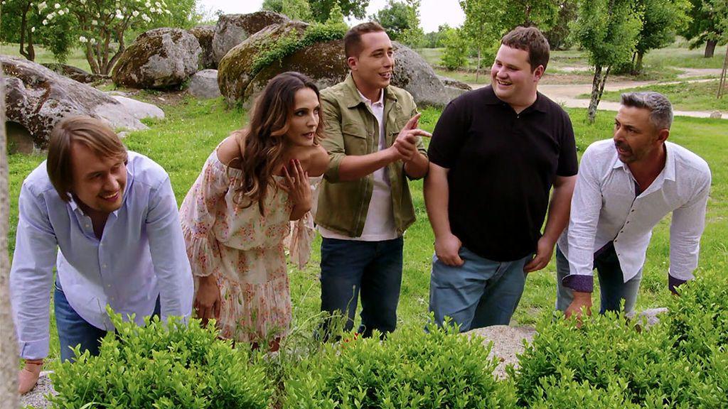 Plantones, flechazos y tropezones en el estreno de 'Granjero busca esposa'