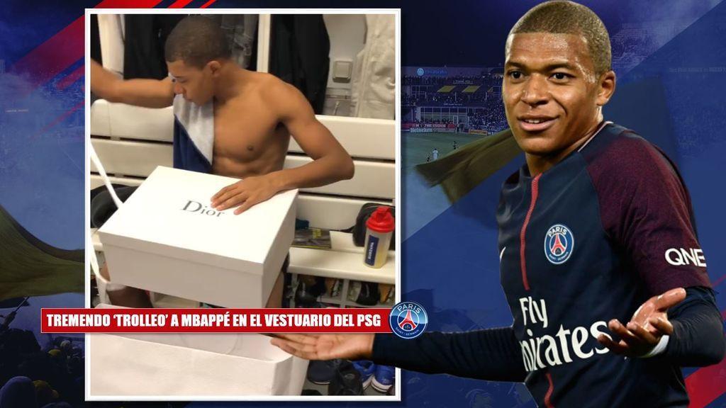 ¡Hasta Thiago Silva salió de la ducha! El tremendo 'trolleo' a la 'tortuga' Mbappé en el vestuario del PSG