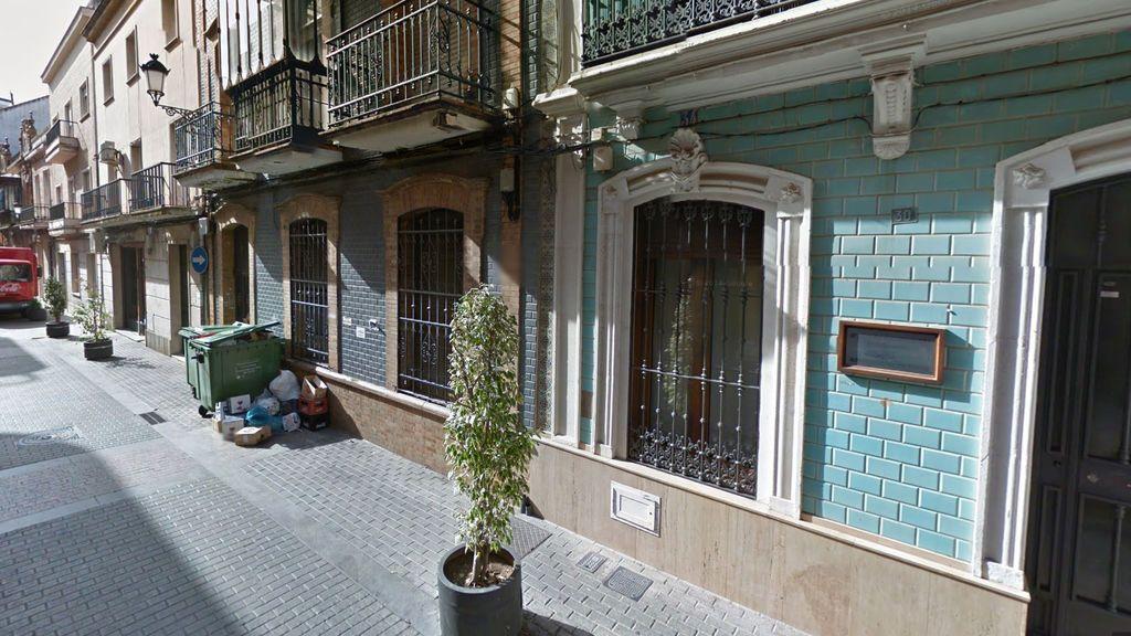 Investigan el hallazgo de un feto en un contenedor en pleno centro de Huelva