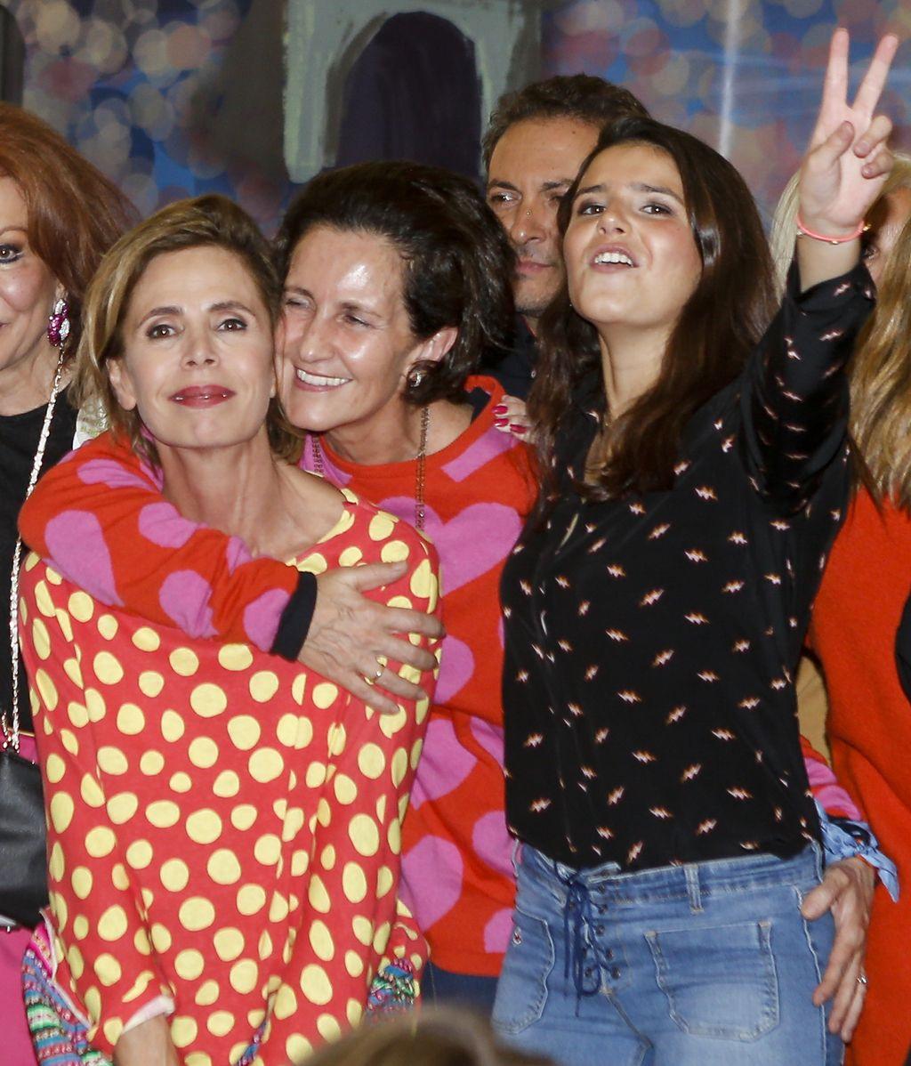 Ágatha Ruiz de la Prada, aunque no se dejó ver con delantal, parecía estar en su salsa