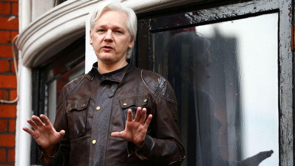 """Ecuador recrimina a Assange que opine sobre Cataluña y le recuerda sus """"obligaciones"""""""