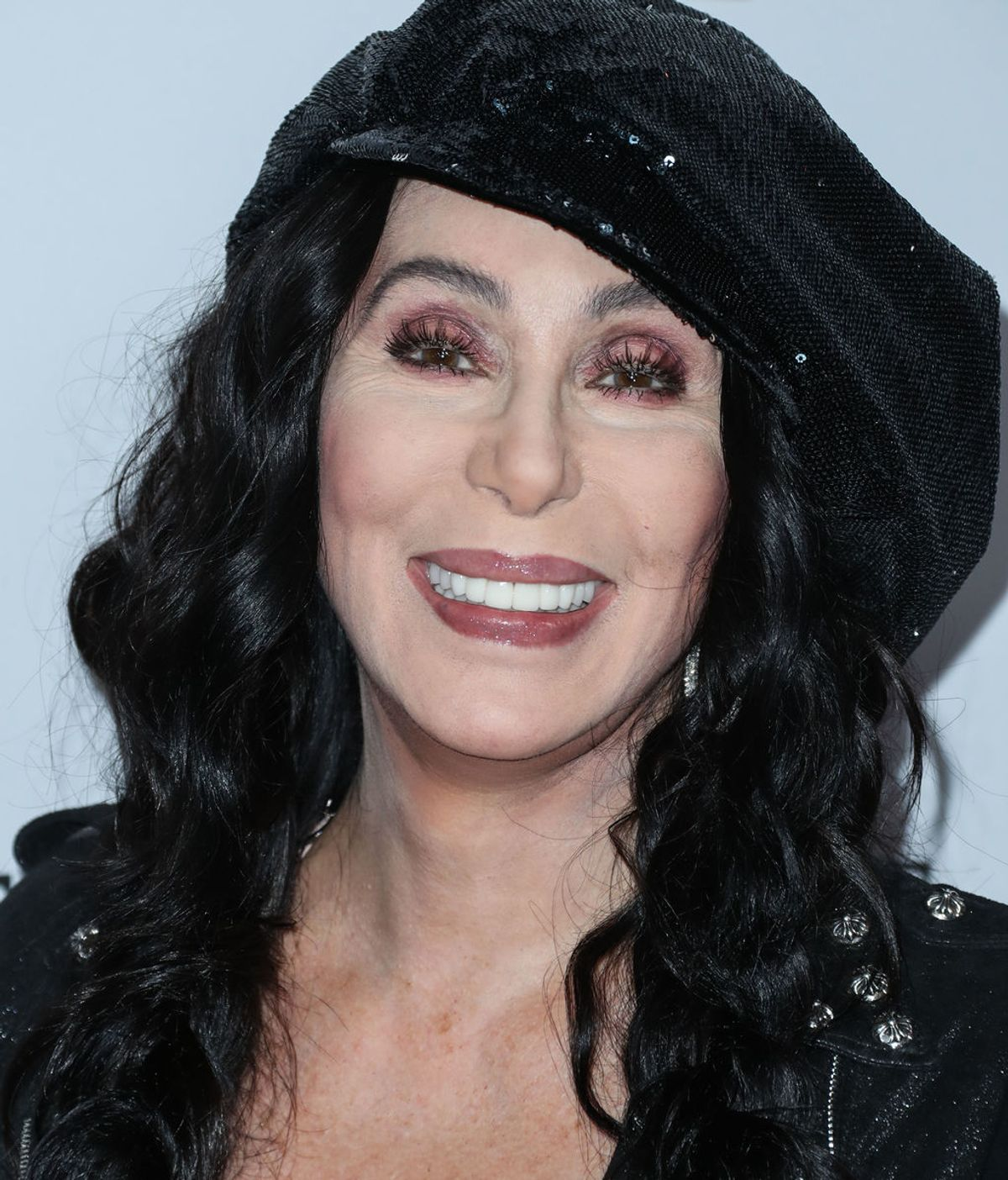 Por qué deberías estar siguiendo a Cher en Twitter