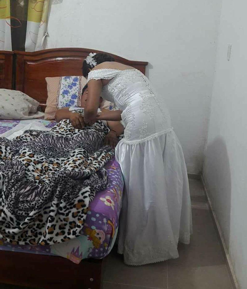 Una enfermera abandona su boda para atender a un paciente