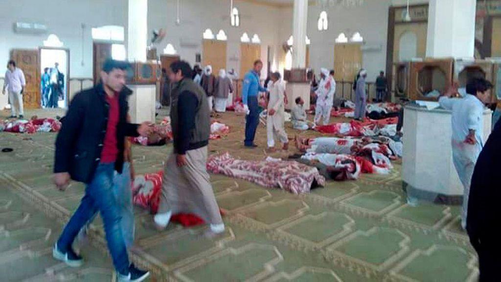 Masacre de Estado Islámico en una mezquita del Sinaí en Egipto