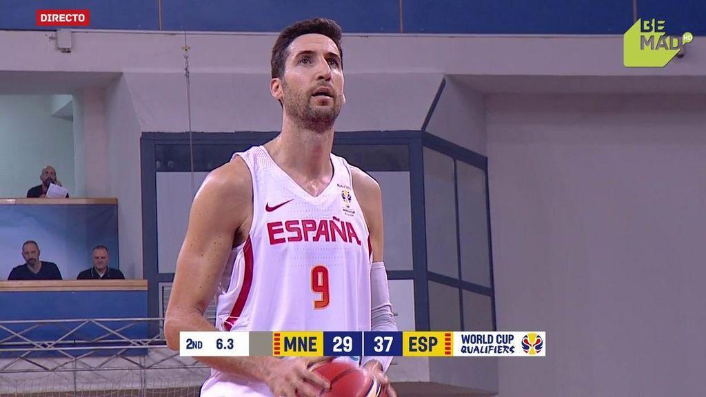 ¡Hasta la cocina! Sergi Vidal se cuela en la zona de Montenegro y saca el 2+1