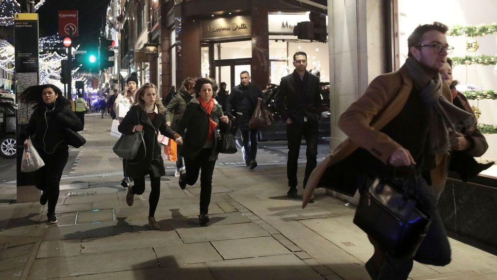 Pánico en Londres por una falsa alarma de tiroteo en el metro