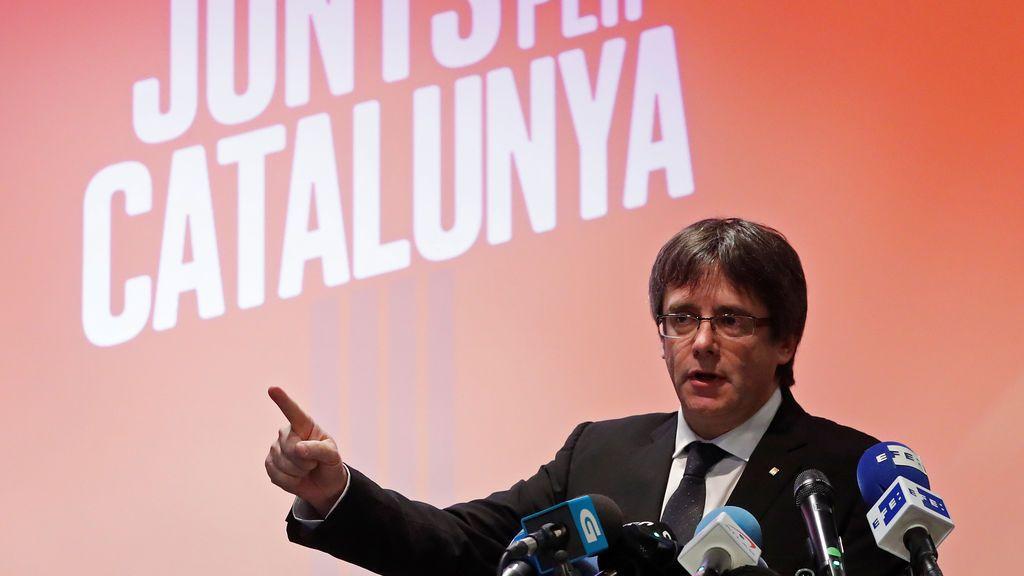 """Puigdemont dice que el Gobierno estaba """"dispuesto a todo"""" para evitar la independencia"""