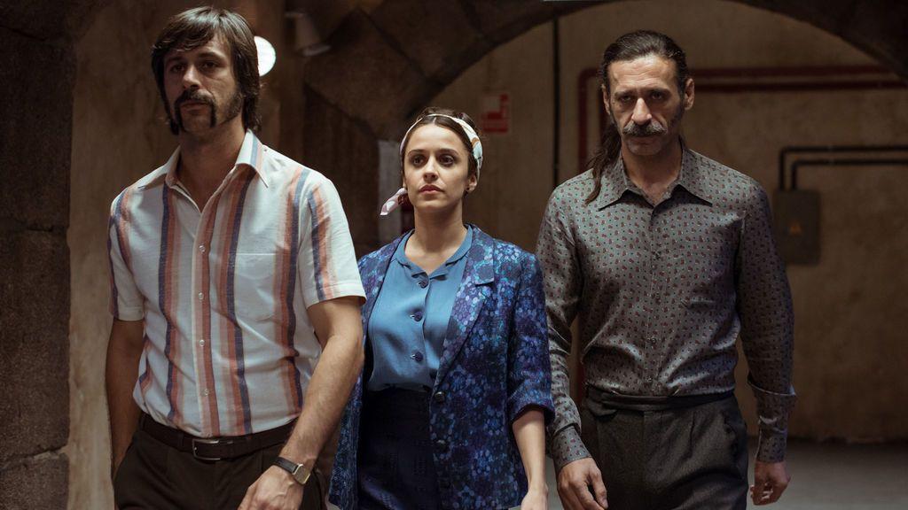 Los actores Hugo Silva (Pacino), Macarena García (Lola Mendieta) y Nacho Fresneda (Alonso de Entrerríos), en el último capítulo de la tercera temporada de 'El Ministerio del Tiempo'.