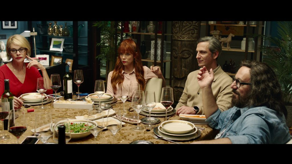 ¿Lo sabes todo de tus amigos? ¡Adelántate al estreno de 'Perfectos Desconocidos' con este avance exclusivo!