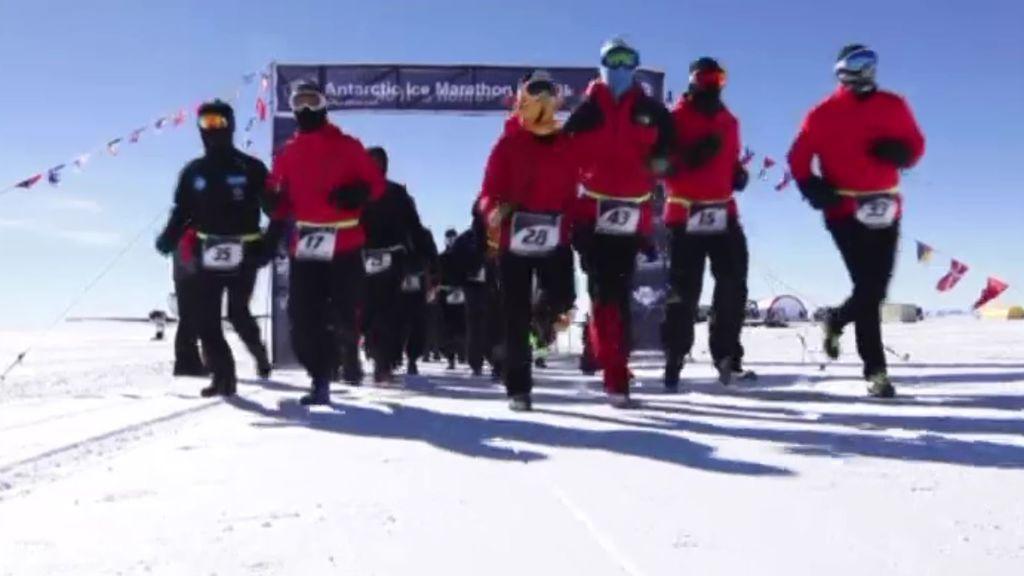 A -20ºC y con zapatillas especiales: la maratón más extrema se corre en la Antártida