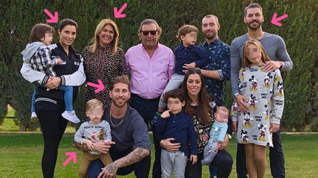 Madre, hijos, sobrinos, Pilar... La foto-family más completa de los Ramos, en X detalles