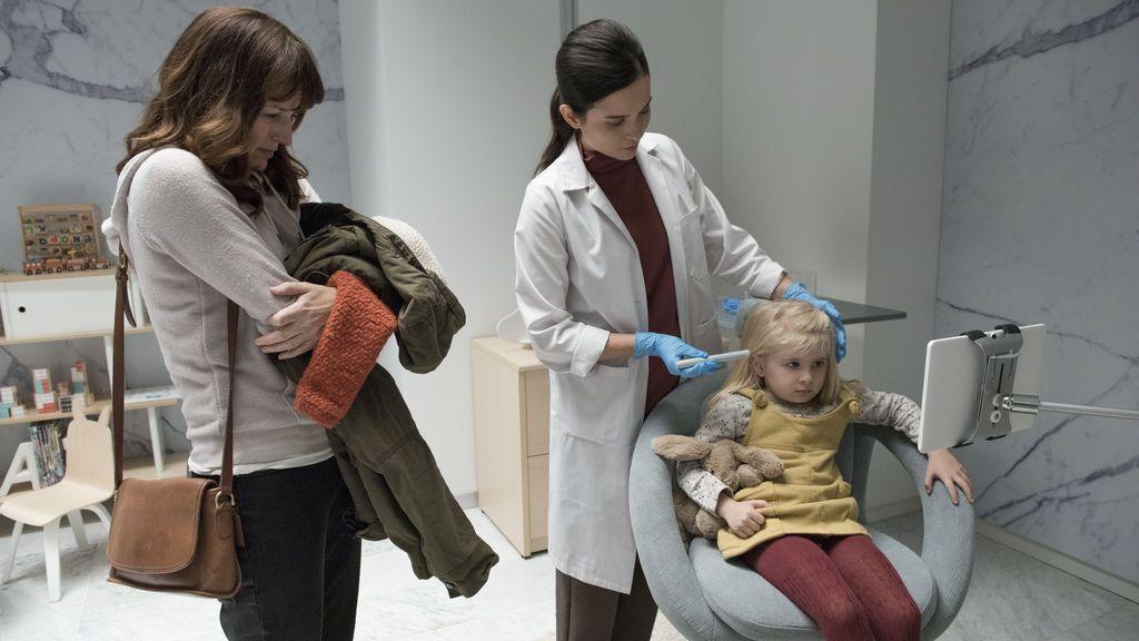 Así vigila el 'Arkangel' de Jodie Foster en la cuarta temporada de 'Black mirror'