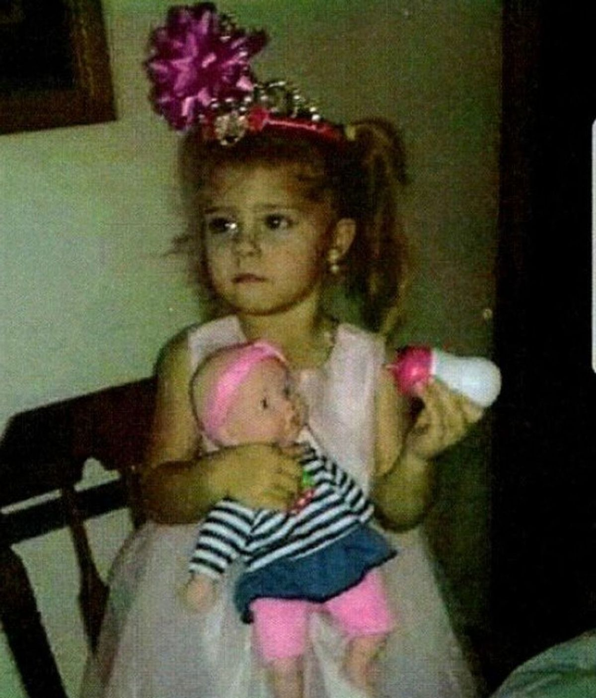 Una madre busca desesperadamente a su hija de 3 años que desapareció mientras dormía