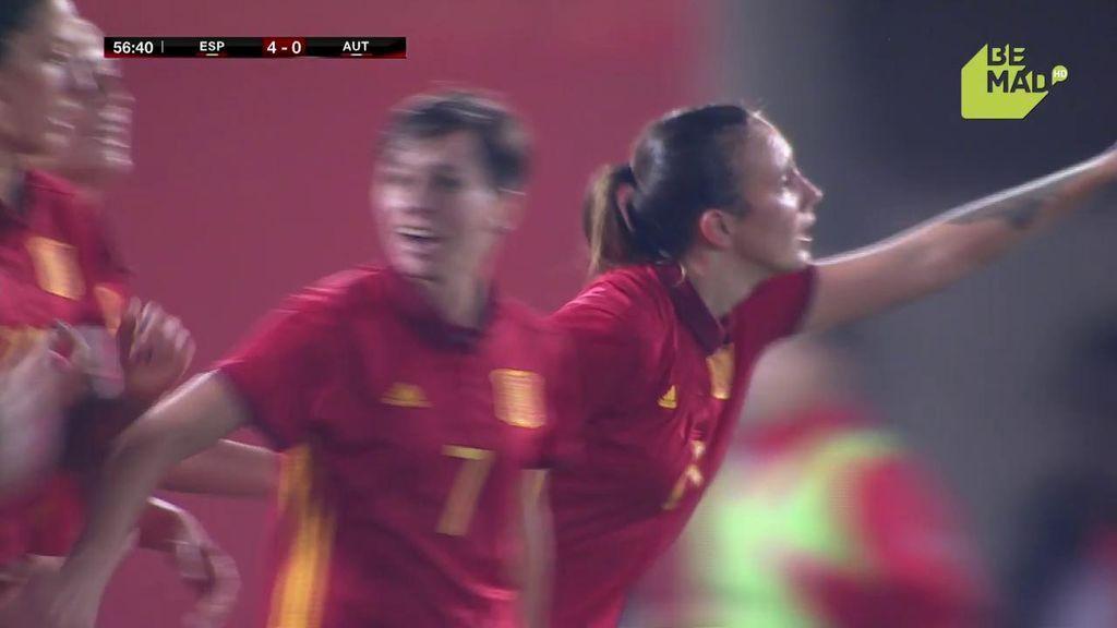 Virginia Torrecilla se adelanta a la defensa austriaca y hace el cuarto de España