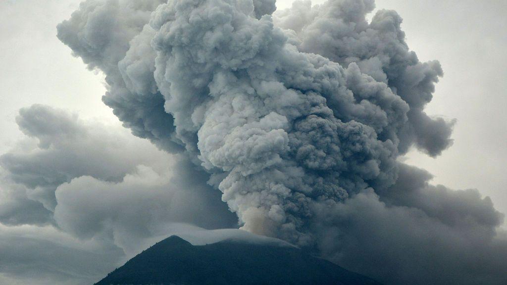 Eruption of Mount Agung as seen from Kubu village in Karangasem, Bali, Indonesia