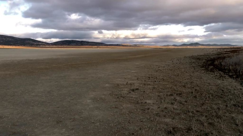 La sequía se bebe una laguna entera