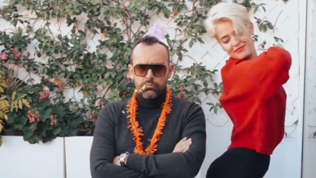 El bailecito de Laura Escanes al ritmo de 'A mí me gustan mayores' por el cumpleaños de Risto